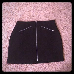 Black skirt with zipper